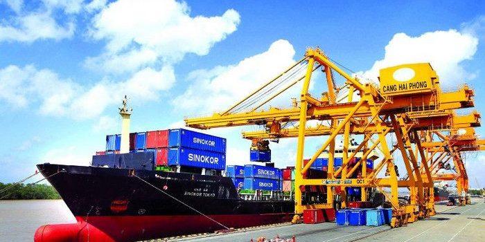 Nhập khẩu hàng Trung Quốc tập kết cảng biển