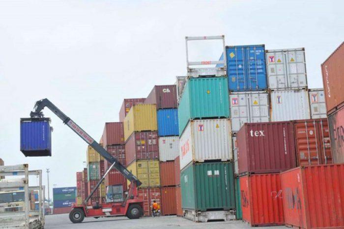 thuê suất nhập khẩu máy móc từ trung