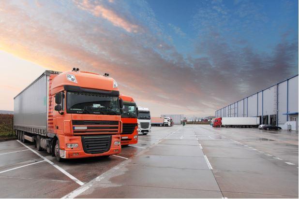 chuyển phát nhanh hàng bằng xe tải